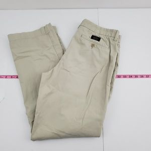 Banana Republic Chino 33x32  relaxed Dawson G76